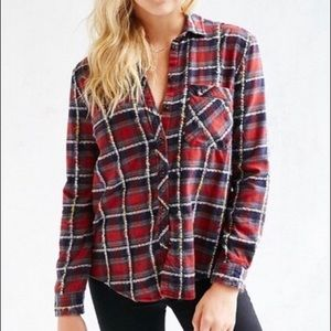 Urban Outfitters • BDG Olly Flannel Red • Large